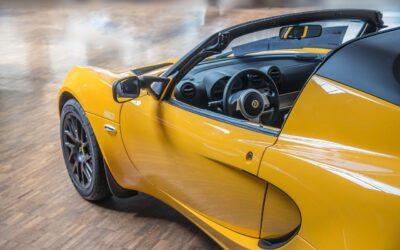 Super Seven : Test de la Caterham qui allie la légèreté et la pureté de la Lotus 7 à un groupe motopropulseur moderne